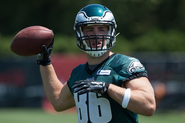 Philadelphia Eagles TE Zach Ertz Remains Questionable for Opener