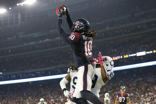 DeAndre Hopkins Making Name for Himself Among the Best NFL Wide Receivers