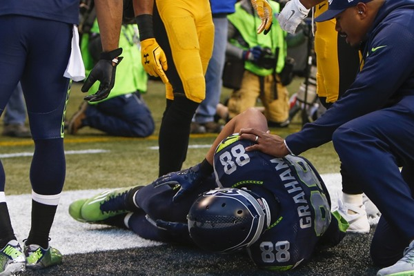 Updates on Injuries to Jimmy Graham and Rob Gronkowski