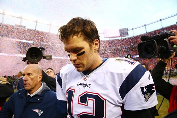 Denver Broncos Put Pressure on Brady, Head to Super Bowl 50