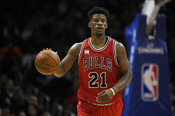 Jimmy Butler Out 3-4 Weeks with Knee Strain
