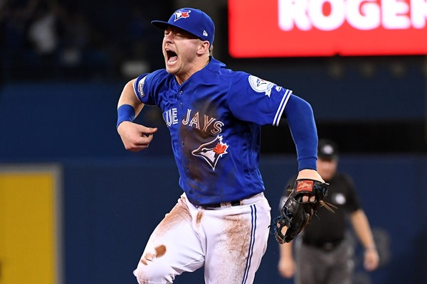 Blue Jays 3B Josh Donaldson Out 2-3 Weeks with Calf Strain