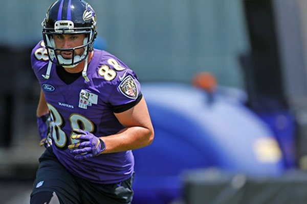 Injury Alert: Ravens TE Dennis Pitta Goes Down with Another Hip Injury
