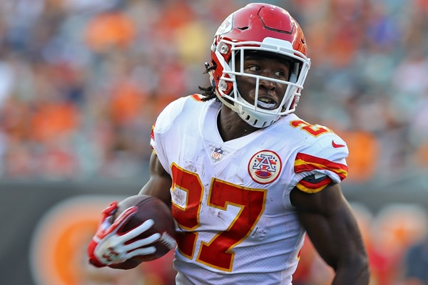 With Spencer Ware Out, Rookie RB Kareem Hunt Becomes a Must Buy