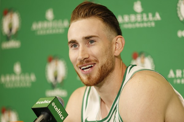 Celtics SF Gordon Hayward Suffers Horrific Leg Injury, Taken Off on Stretcher