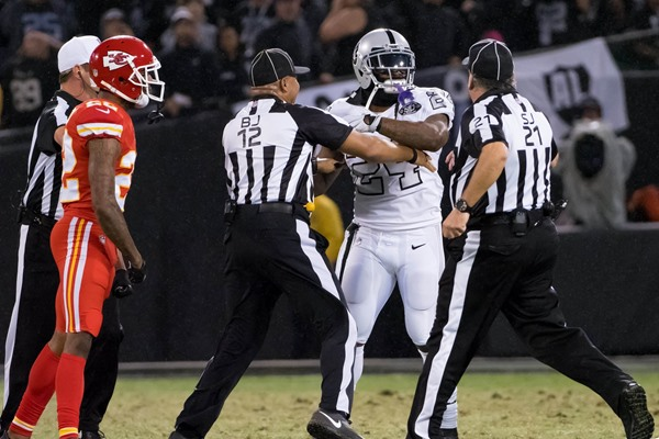 Raiders RB Marshawn Lynch Suspended One Game