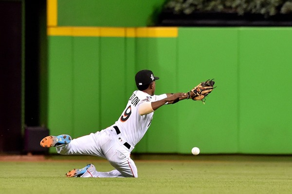 MLB Analysis: Marlins 2B Dee Gordon Traded to Seattle Mariners