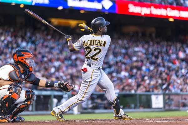 MLB Analysis: Pirates CF Andrew McCutchen Traded to San Francisco Giants