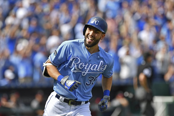 Fantasy Spin: Eric Hosmer Signs with San Diego Padres