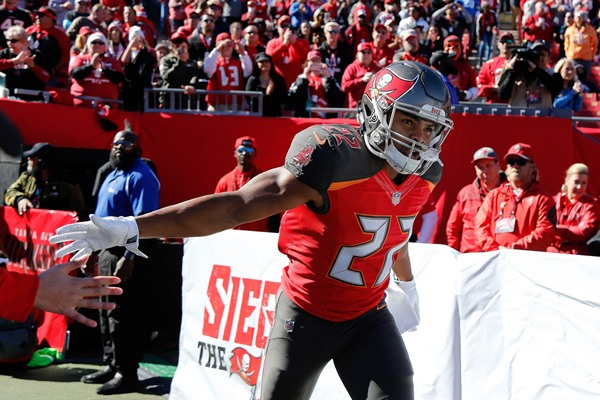 Fantasy Spin: Buccaneers Release RB Doug Martin