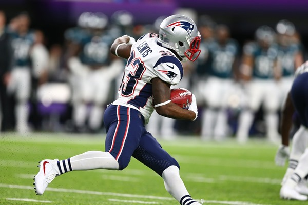 Fantasy Spin: Dion Lewis Signs with Tennessee Titans