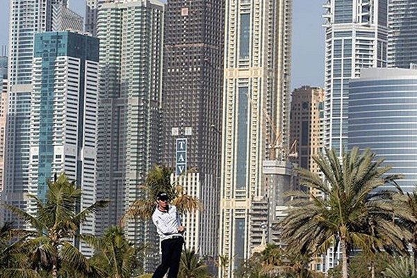 Luke Donald, Marc Warren & Rory McIlroy Are Tied for Lead in Dubai