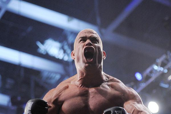 Bellator 131: Tito Ortiz Bests Stephan Bonnar, Ortiz Fined for Post-Fight Antics