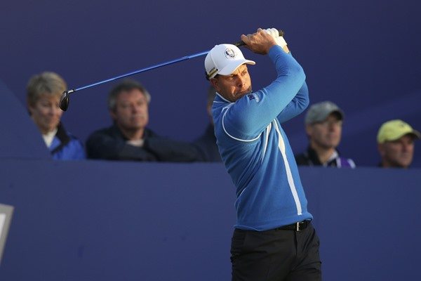 Henrik Stenson Successfully Defends In Dubai