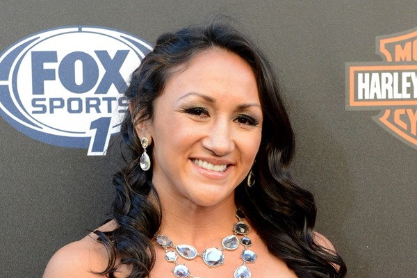 Carla Esparza Submits Rose Namajunas to Become First UFC Strawweight Champion