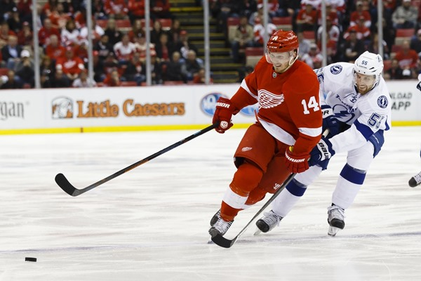 Gustav Nyquist Re-signs With the Red Wings